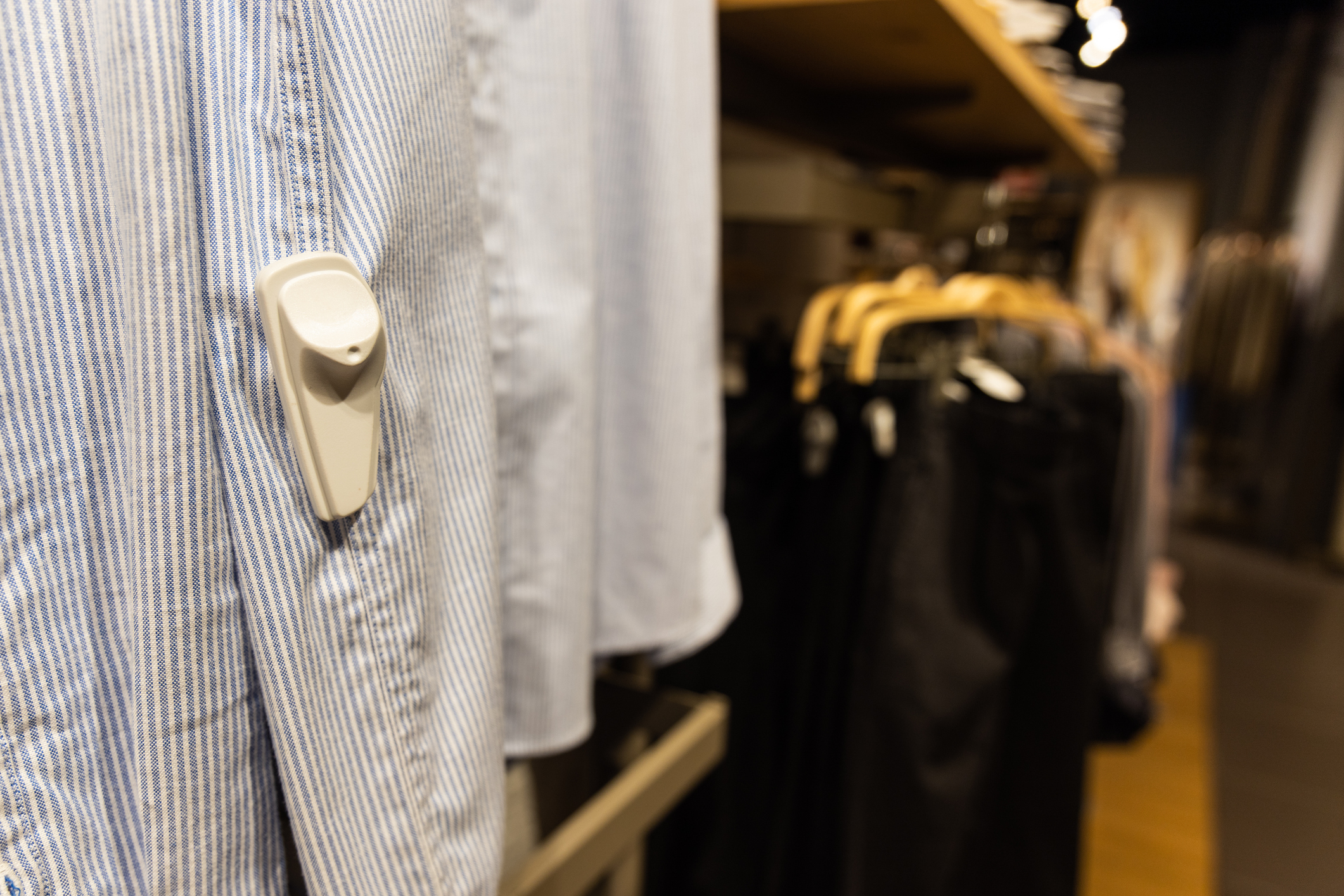 5 Quick and Low-tech Tips to Prevent Shoplifting in Your Retail Store